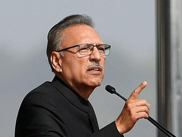 Alvi for completion of all Karachi water supply projects