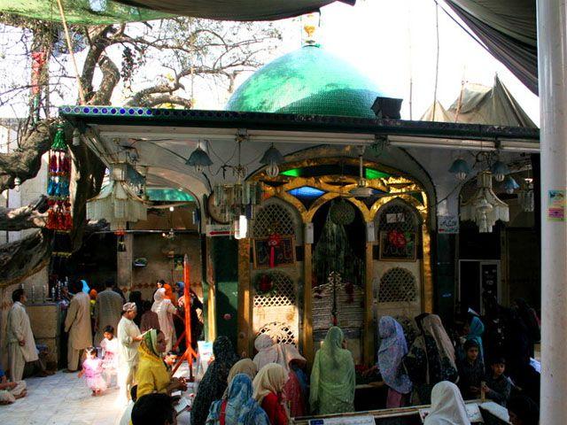 DIG inspects security of Bibi Pak Daman Shrine